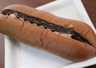 しっとりダブルチョコクリームパン
