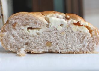 ローストくるみチーズパン