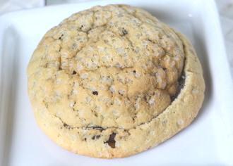 ガリクロメロンパン