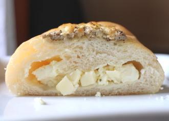 香るチーズパン
