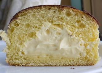 とろーりふわふわプリンのパン