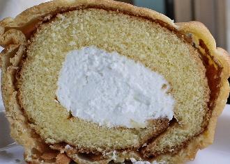 シューロールケーキ