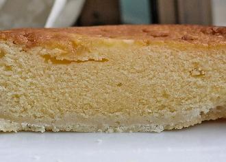 チーズケーキをのせたタルト