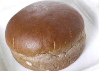 いちごチョコクリームパン