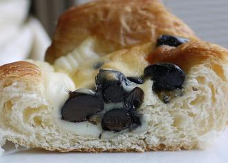 黒豆チーズケーキデニッシュ