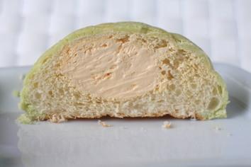 Pasco ホイップメロンパン 富良野メロン