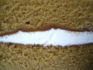 沖縄黒糖サンドケーキ