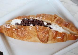 Pasco クロワッサンサンド チョコ&ホイップ