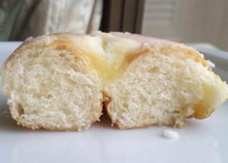 大きなマロンクリームドーナツ