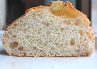 うま塩もっちりチーズのパン