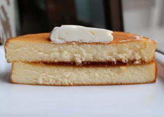 パンケーキリコッタチーズ入りクリーム