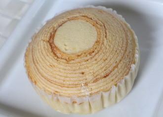バウム蒸しケーキ