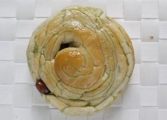 抹茶と金時豆のパン