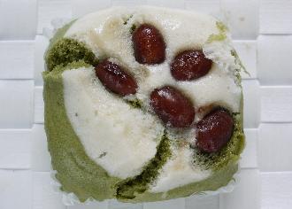 抹茶と金時豆の蒸しパン