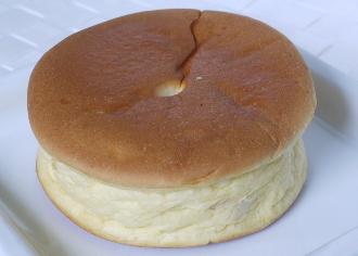 メープルクリームパン