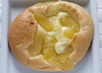 たっぷりりんごとカスタードのブリオッシュ