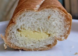 フランスパンサンド 粒々マロンクリーム