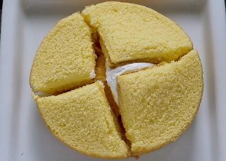 スイートポテトのマウントホイップケーキ