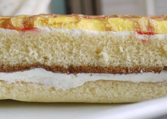 大きなクレープケーキ